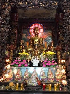 ho-chi-minh-buddha-gold