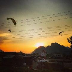 vang-vieng-paragliding-aussicht