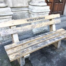 Appartheit-Weiss