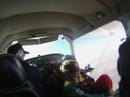 Skydive-andrea-springt